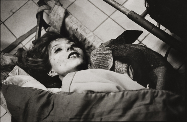A young woman killed in a mortar bomb attack, Kosovo hospital mortuary, Sarajevo, January 1994