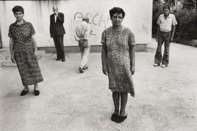 patients-at-a-psychiatric-clinic-sarajevo-1993